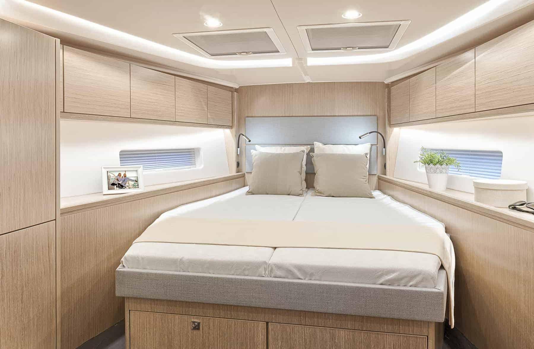Bavaria C45 interior cabin
