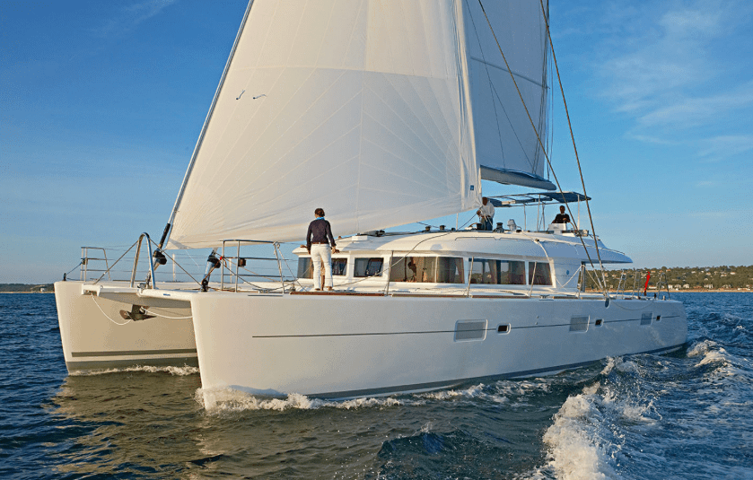 Yacht Lagoon 620 sailing on the ocean, picture from front