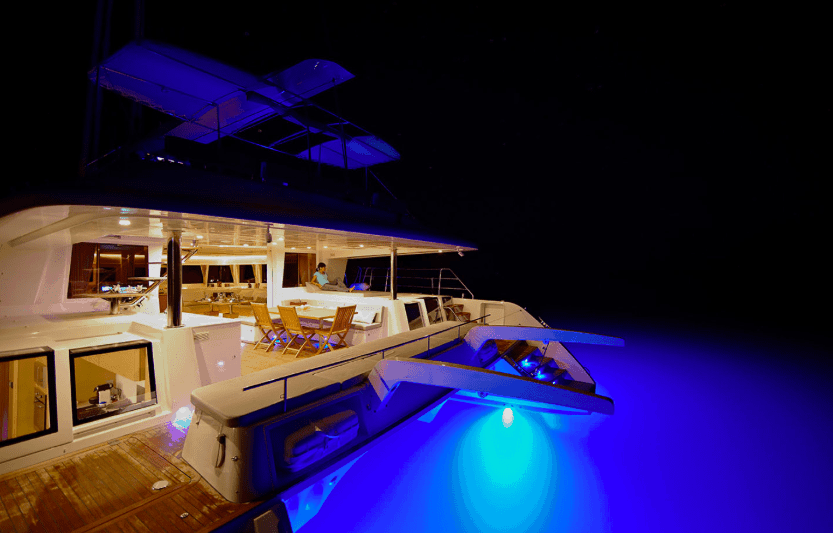Yacht 620 rear in the dark night