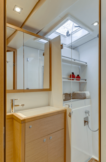 Sink and shower in the head of the Lagoon 620 yacht