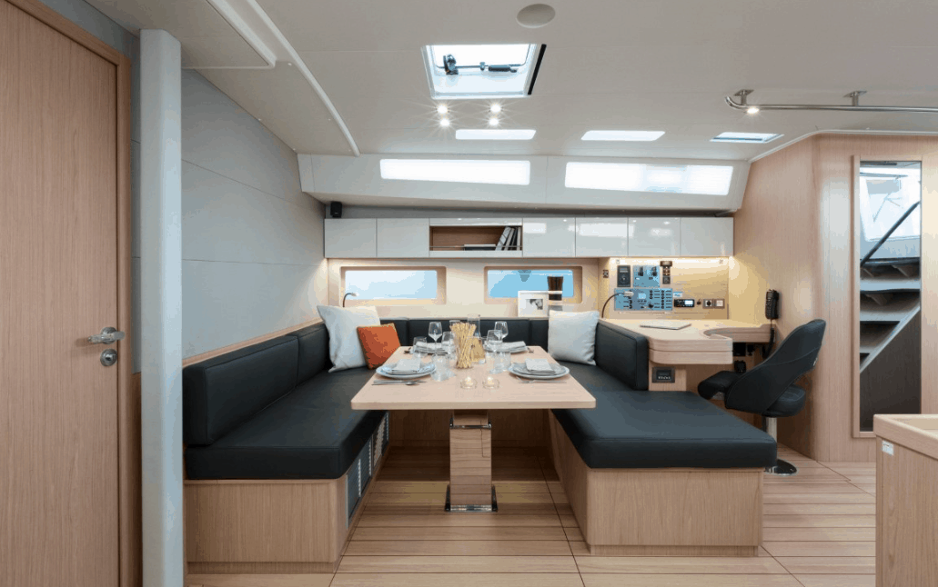 The beautiful and spacious dining and navigation area of the Beneteau Oceanis 55.1