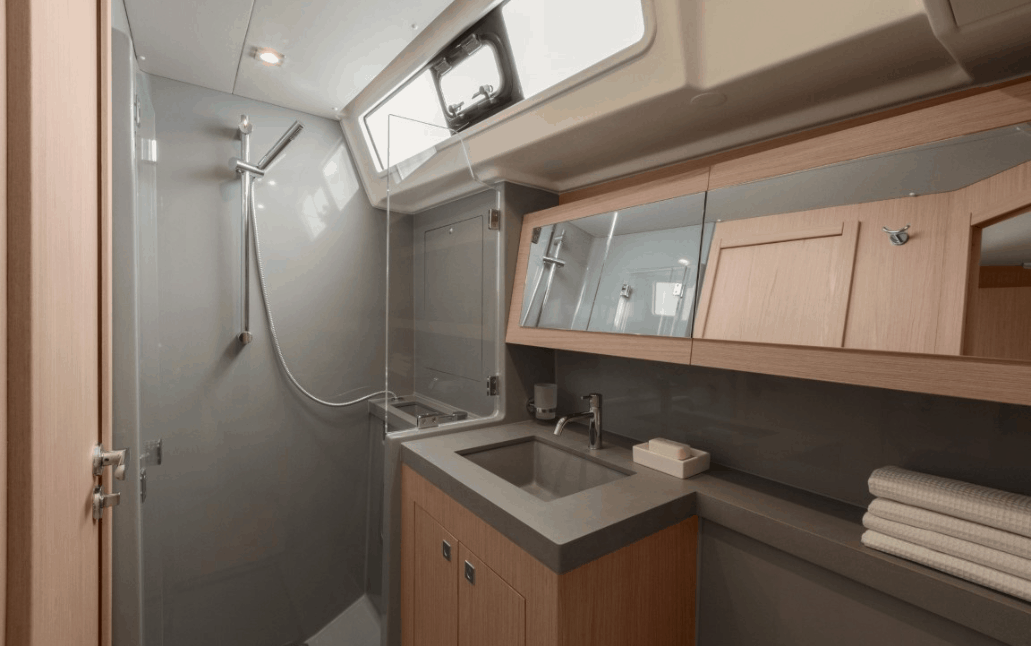 The stunning design of the head and shower inside the Beneteau Oceanis 55.1 cabins