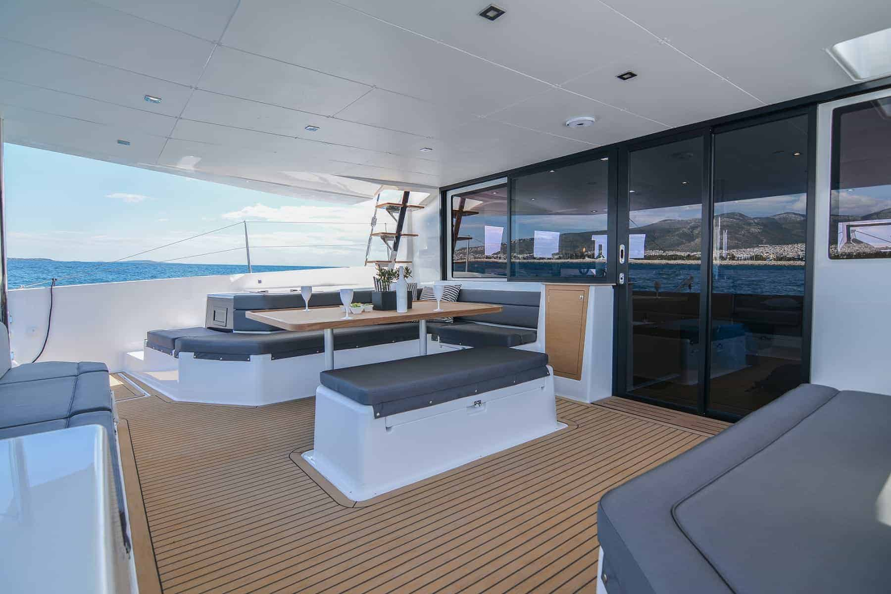 Dufour 48 catarmaran cockpit dining area