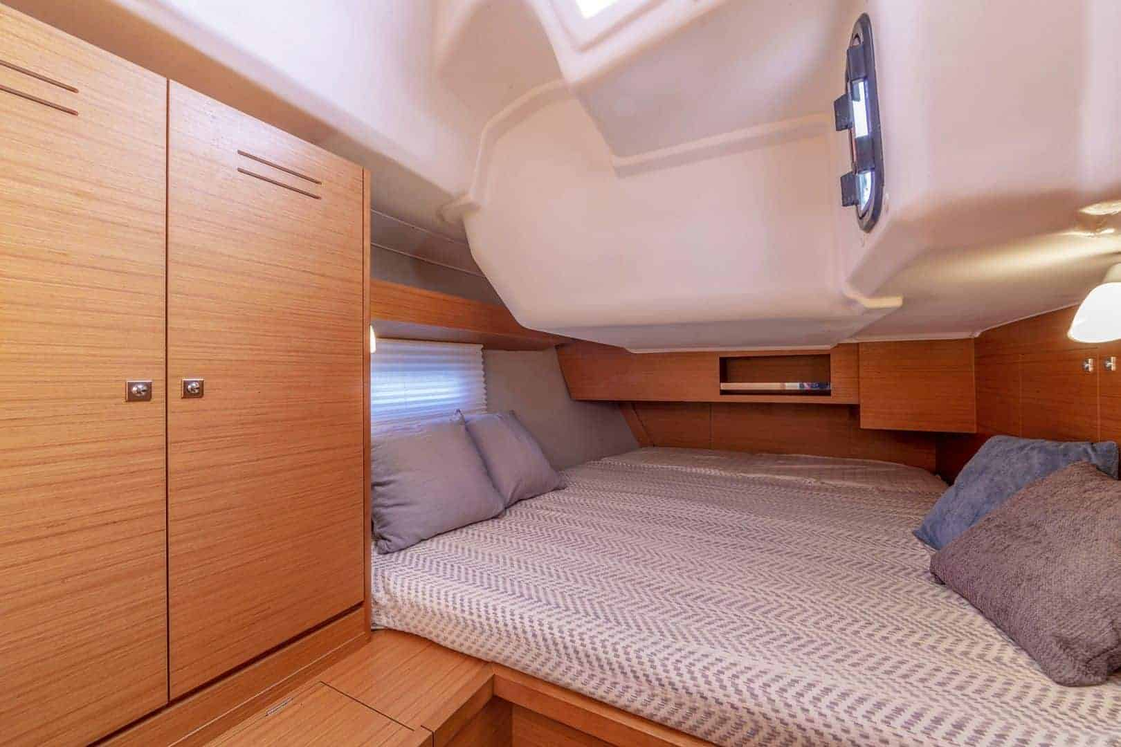 One of the Dufour GL 430's cozy cabins with a nice bed