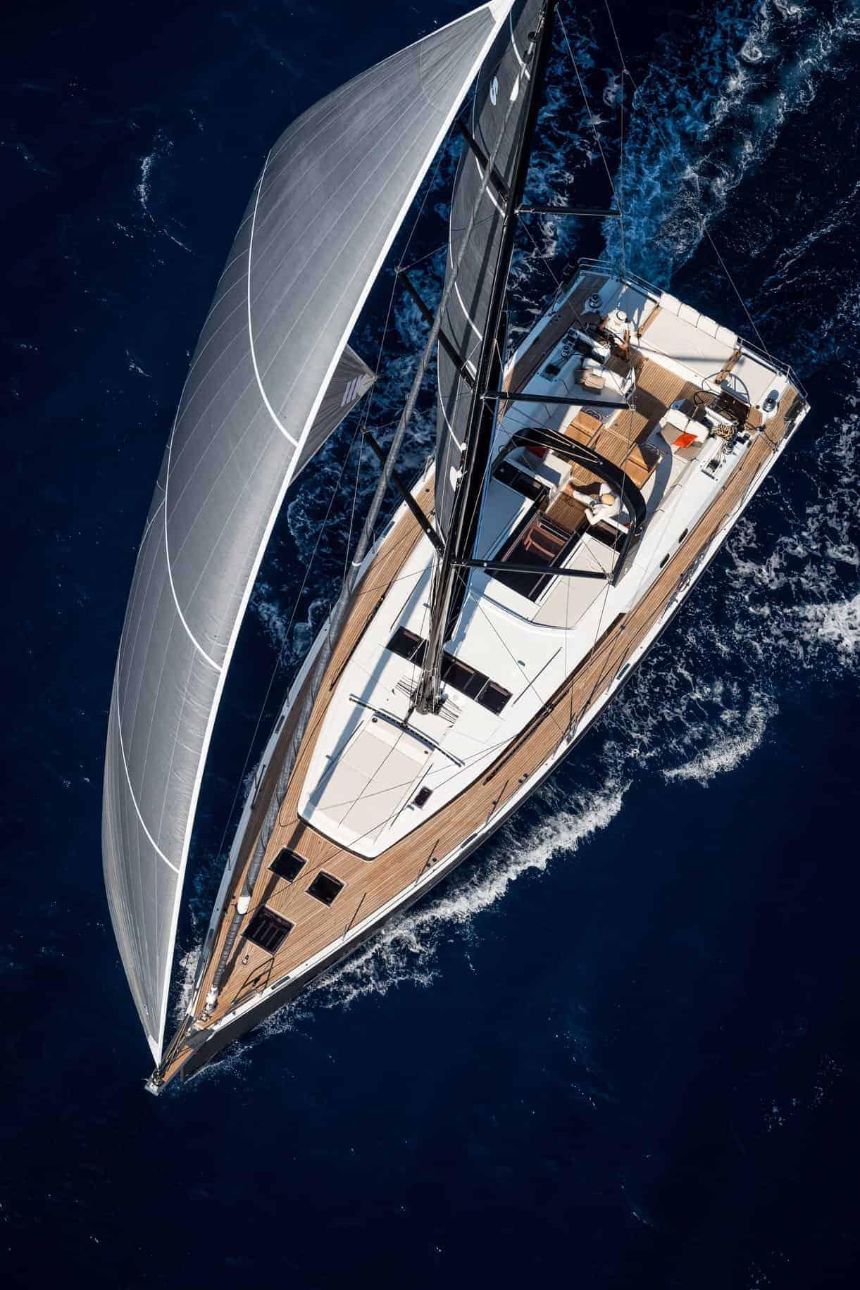 Beneteau Oceanis Yacht 62 gliding through emerald blue water