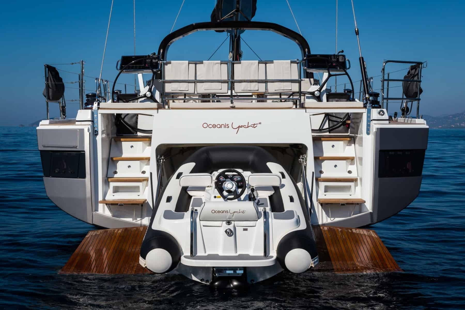 The amazing tender garage of the Beneteau Oceanis Yacht 62