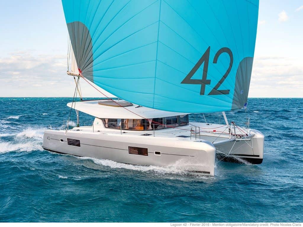 lagoon-42-exterior-design-sail-frontdeck