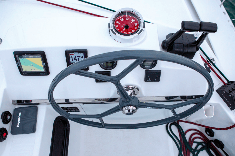 Steering wheel and compass on the Bali 4.3 Loft
