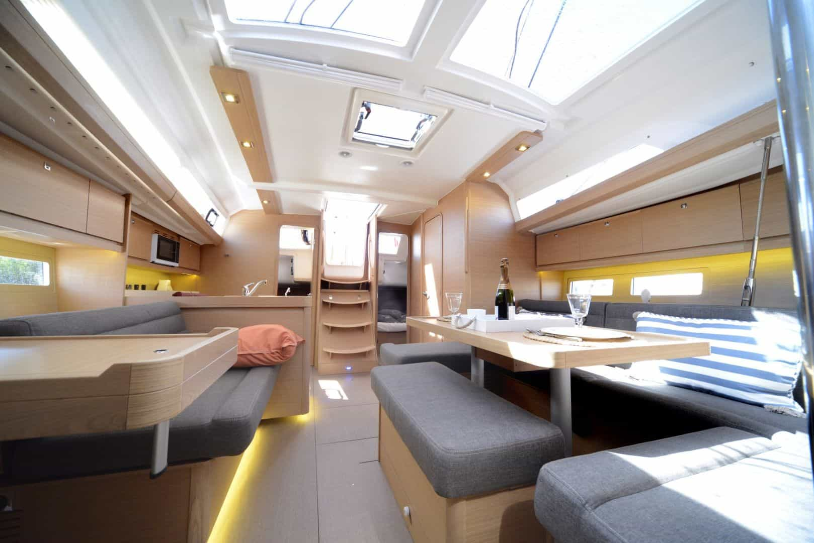 The light and comfy saloon of Dufour grand large 412
