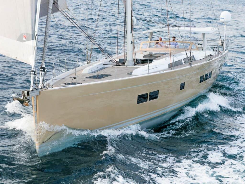 Hanse 675 bow