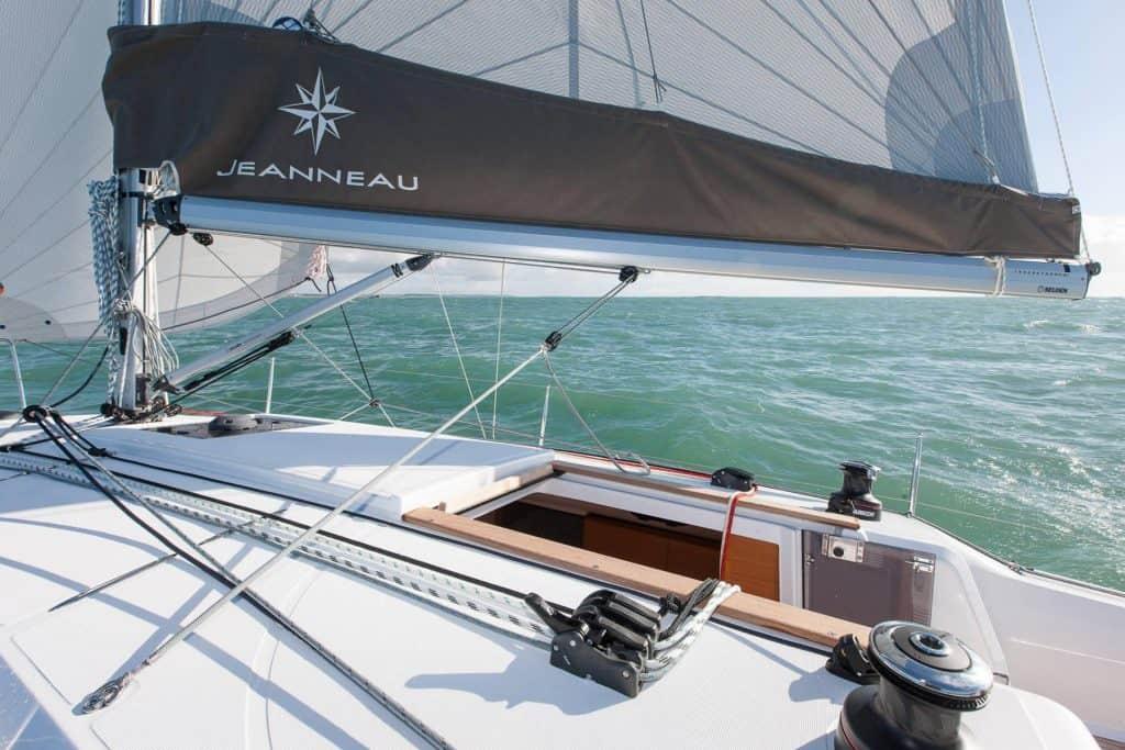 Deck of the Jeanneau Sun Odyssey 349 a sunny day