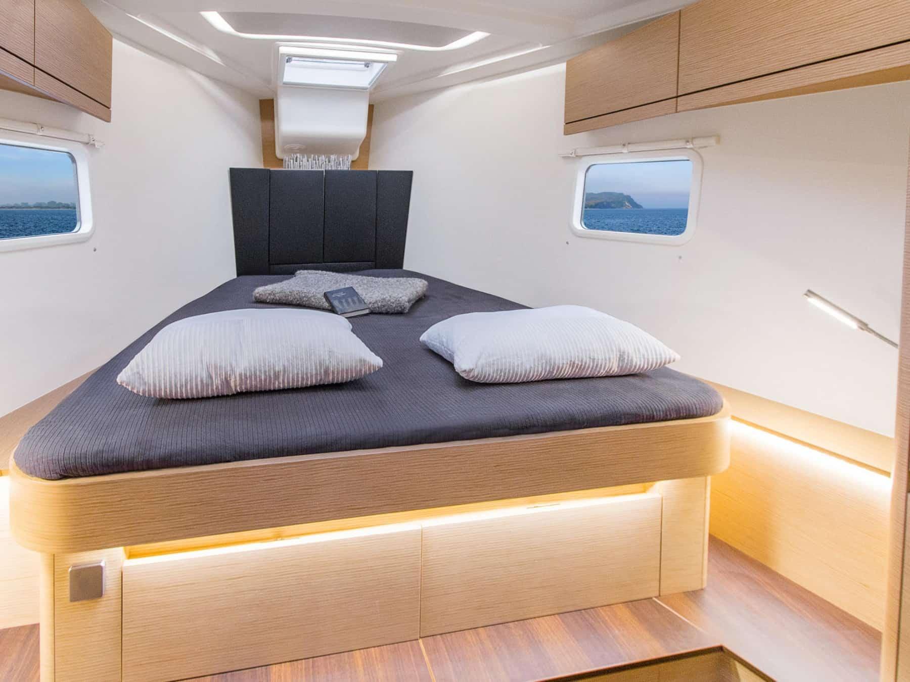 hanse 418 front cabin