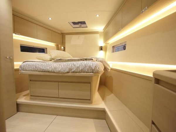 Solaris 50 Owners cabin at night
