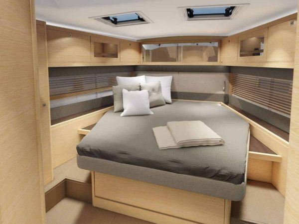 Dufour 530 owners cabin