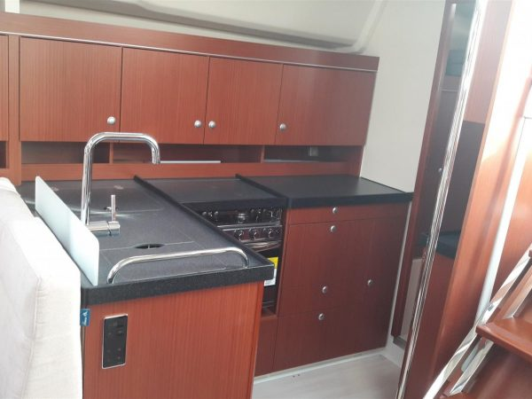 Hanse 455 Swell galley