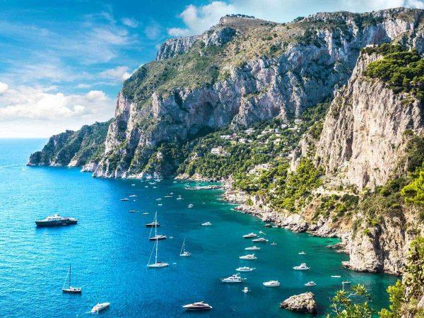 Italy-Yachts-Rocks-Yacht-Match