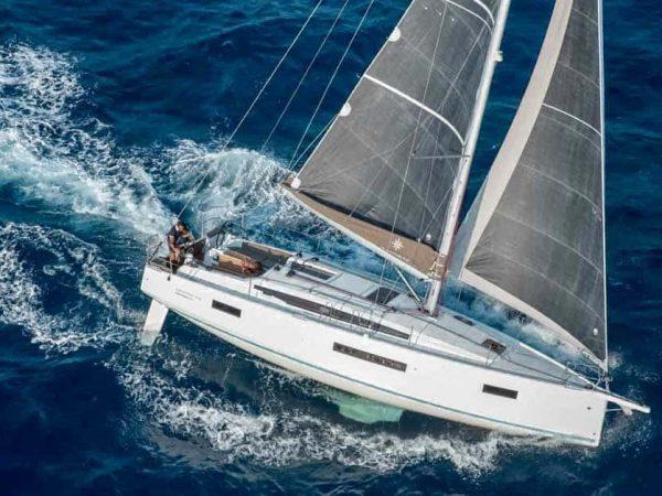 Jeanneau-sun-Odyssey-410-Facebook&LinkedIn-Yacht-Match