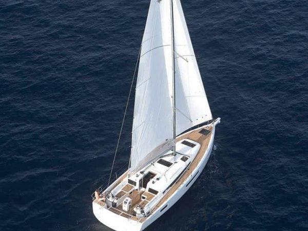 Jeanneau Sun Odyssey 440 calmly sailing forward