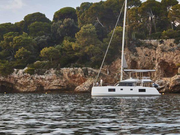 Bavaria-Nautitech-46-fly-interior-exterior-3-charter-ownership-yacht