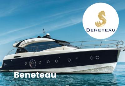 Beneteau Logo with motor boat