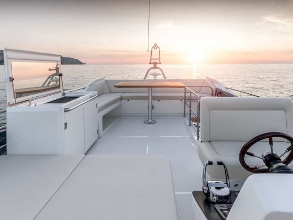 greenline_yachts_45fly-interior-09