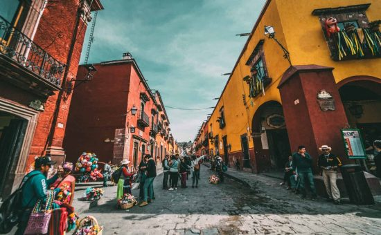 mexico-destination-city-people