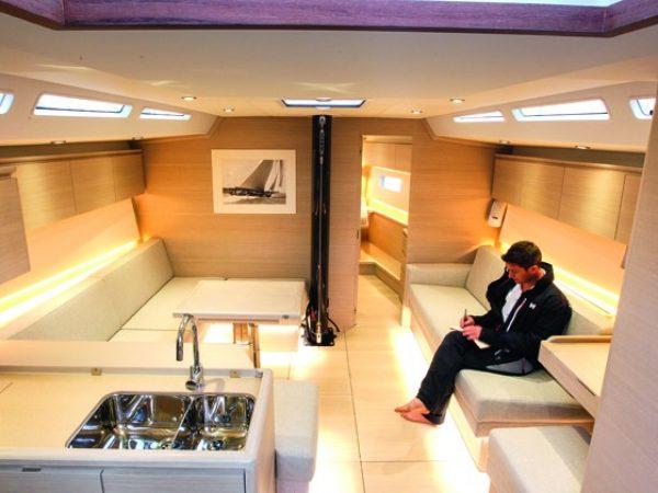 Solaris 50 Saloon YBW